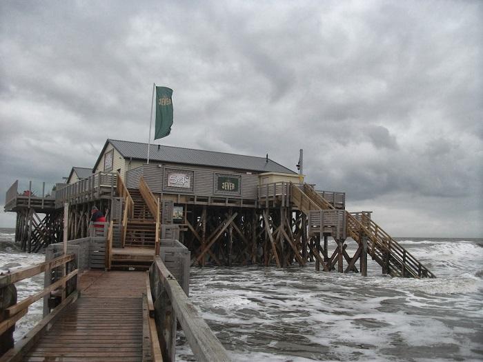 St. Peter Ording: Restaurant mitten im Meer