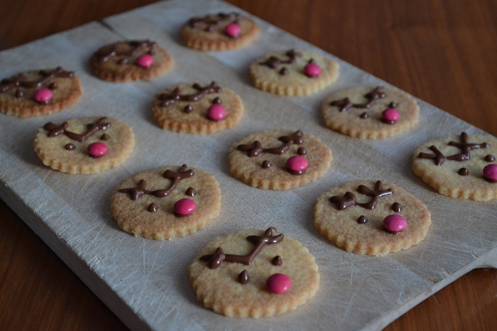 Reindeer Cookies - Carotellstheworld