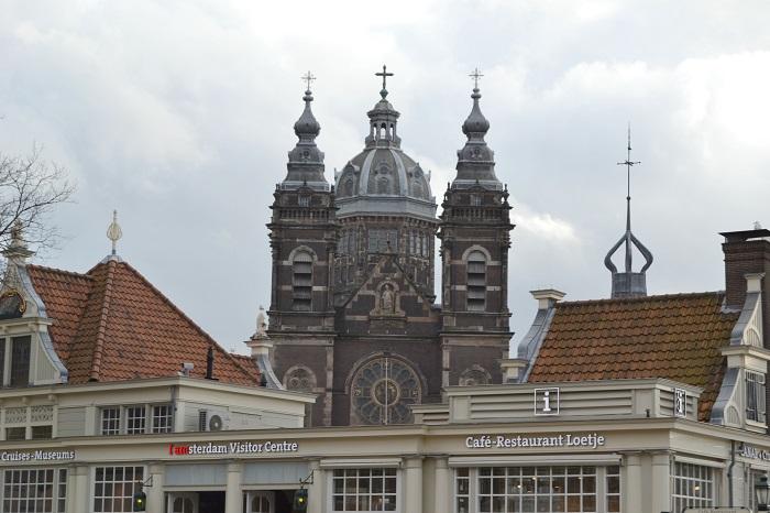 Amsterdam, Sint Nicolaaskerk - Carotellstheworld