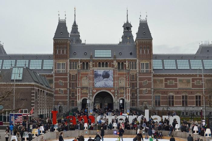 Amsterdam, Rijksmuseum - Carotellstheworld